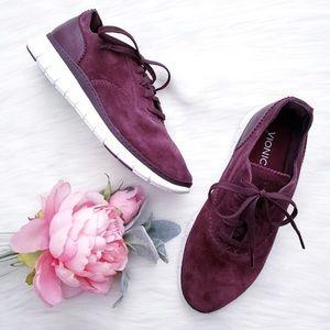 Vionic 8.5 burgandy tennis shoes